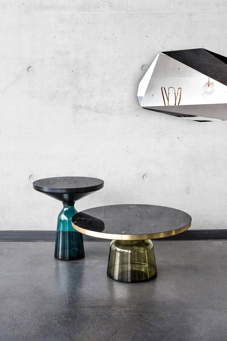 der-bell-side-table-von-classicon-marmor-auf-mundgeblasenem-glas-von-sebastian-herkner-fuer-classicon-foto-elias-hassos-oberflaechentrend-marmor_50571_26123