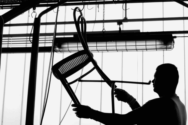 Der Thonet Stuhl 214 in der Fabrik von Thonet
