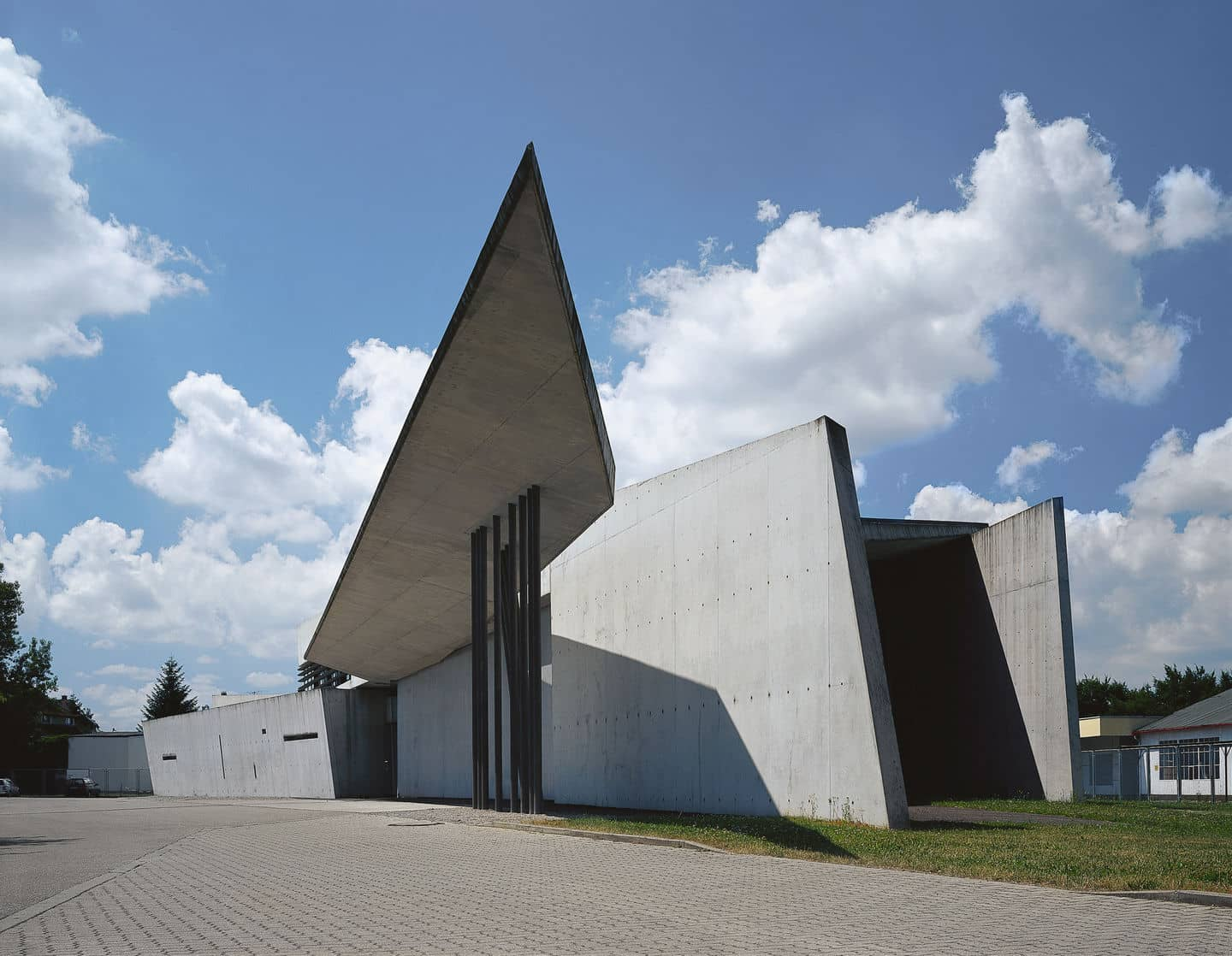 Hadid-Fire-Station_Vitra-Campus